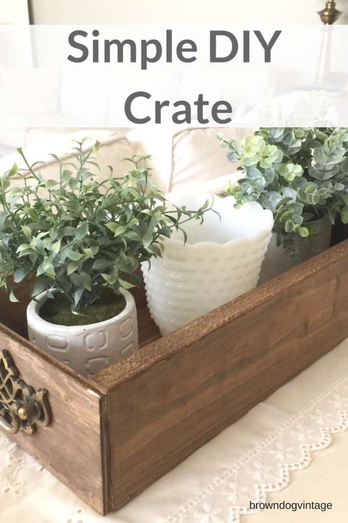 Simple diy wooden crate #createandfind #diyprojects #farmhousestyle