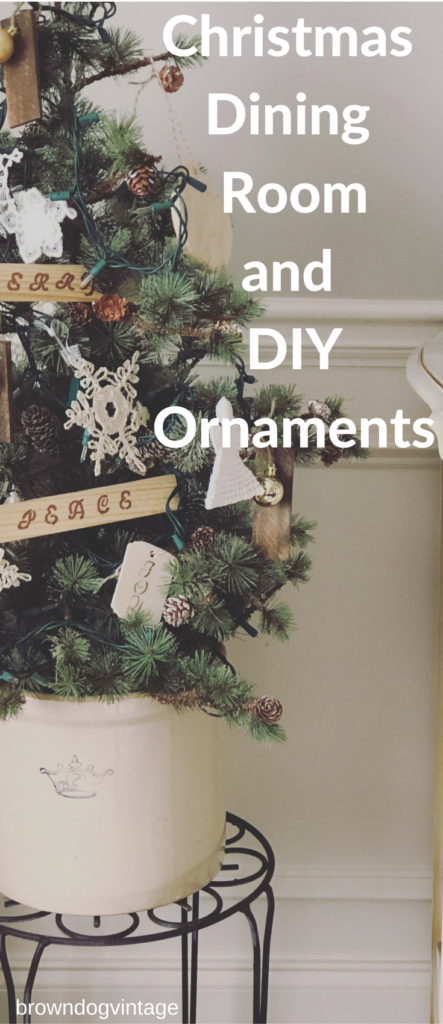 Christmas dining room decor and DIY ornaments - an easy and simple way to dress up the dining room for Christmas #createandfind #christmasdecor #diychristmasornaments #diyprojects