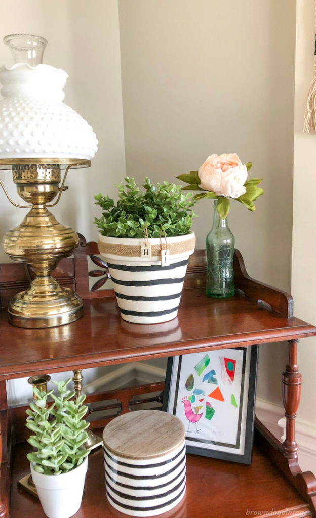 Painting Terra Cotta Pots - Planter Makeover