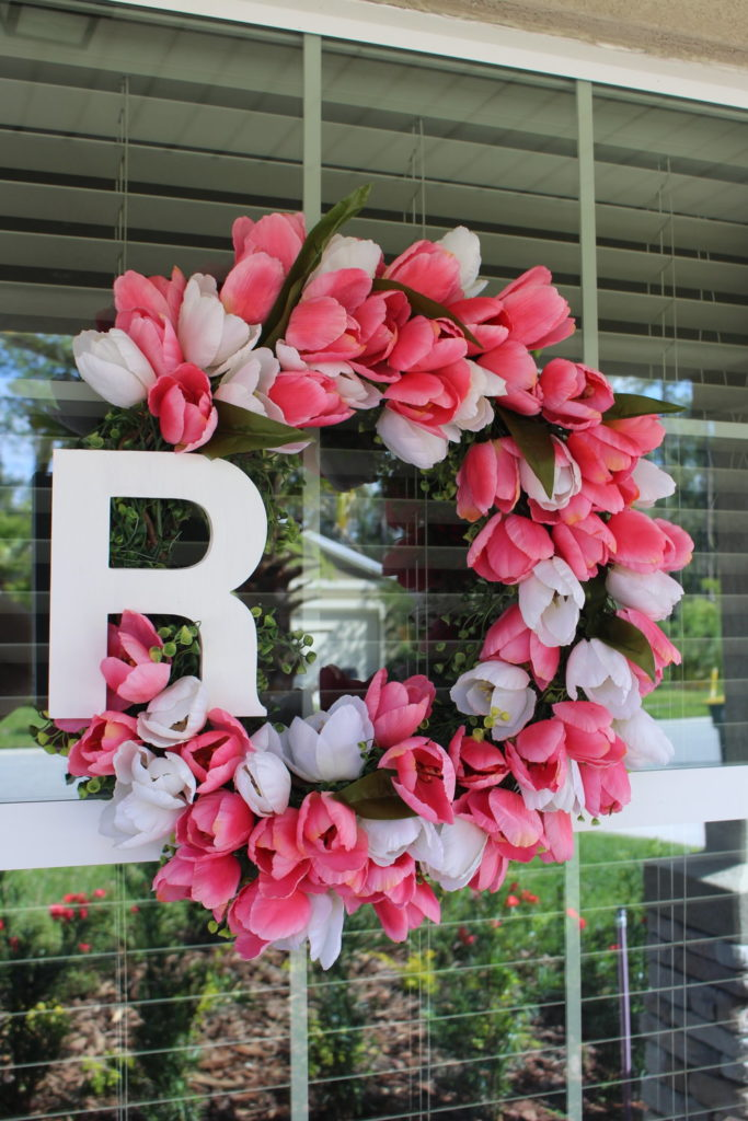 farmhouse style tulip wreath