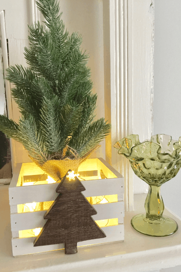 DIY Christmas decor - rustic farmhouse crates