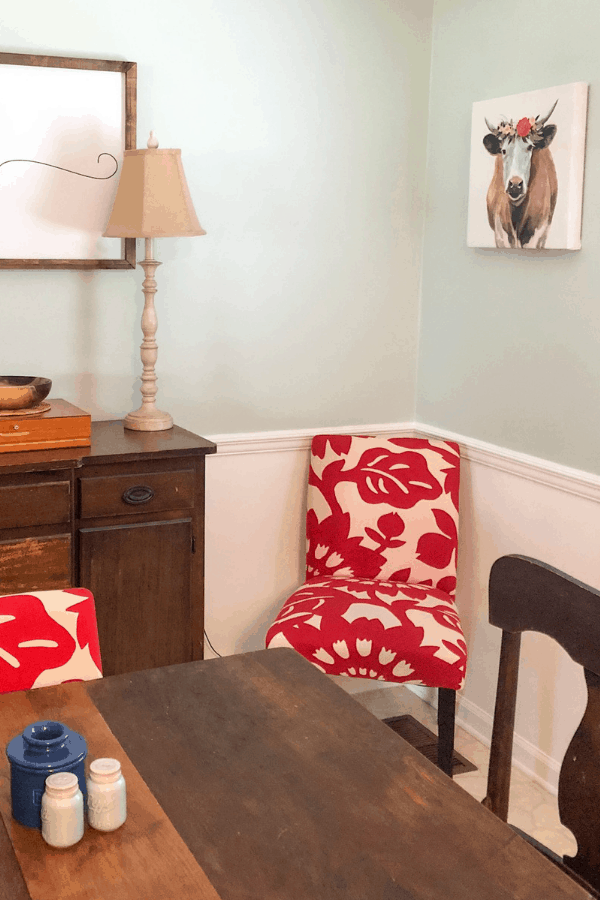 Painting wallpaper and updating a dated dining room with paint #createandfind #paintingwallpaper