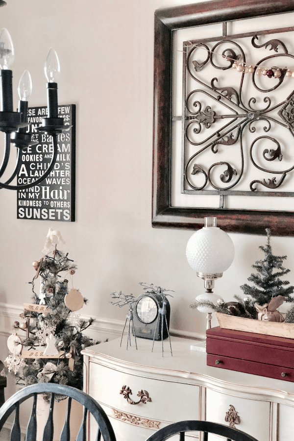 Simple homemade ornaments in a neutral Christmas dining room #createandfind #diyornaments #diyprojects #christmascrafts