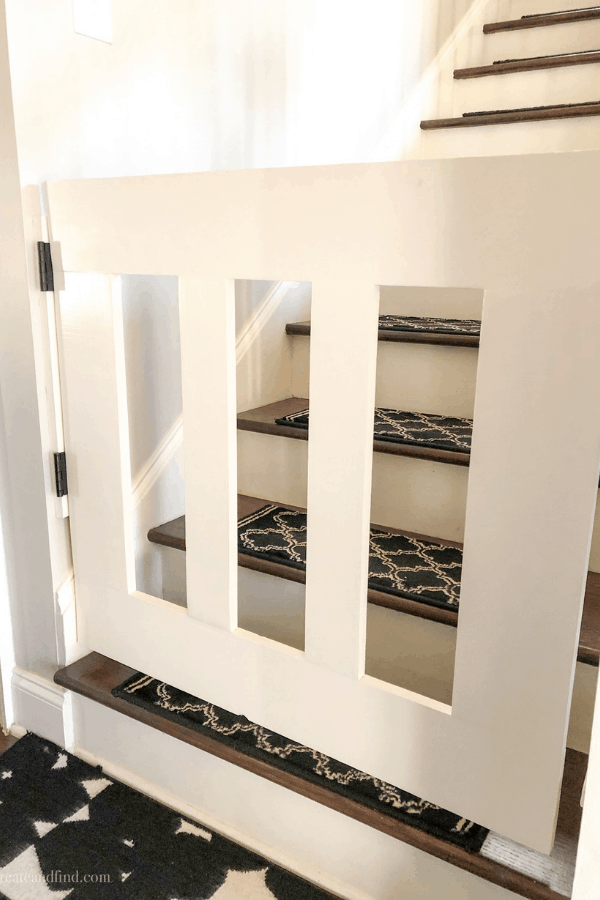 DIY Baby Gate using a Kreg Jig - an affordable DIY Project you can do in a day! #createandfind #diybabygate #diyprojects
