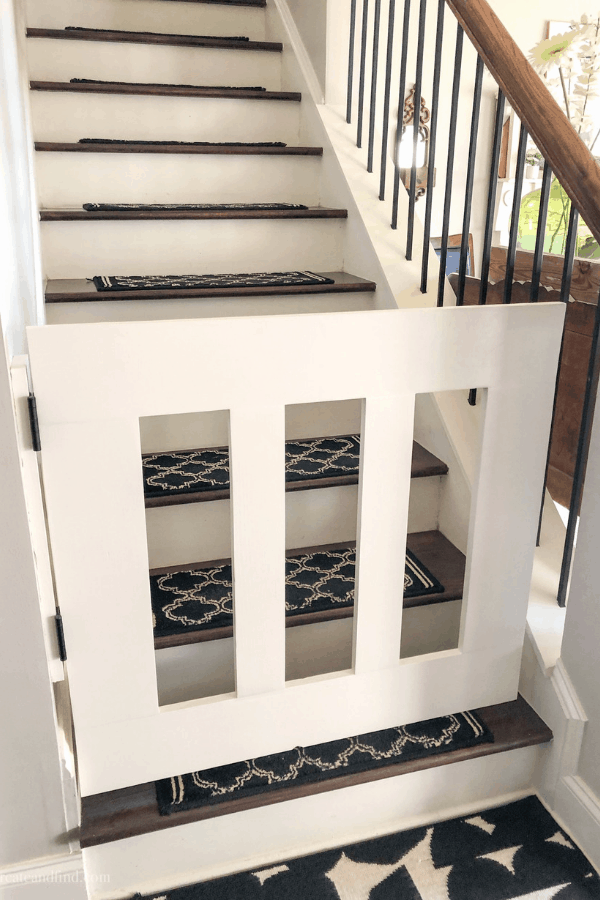 DIY Baby Gate - a complete tutorial to show you how to make your own using a Kreg Jig #createandfind #diyprojects #diybabygate