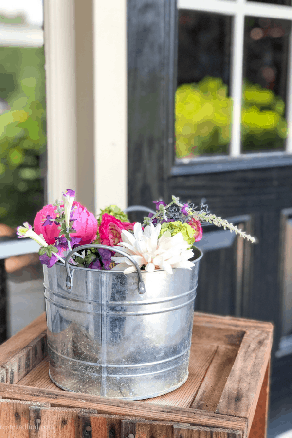 Summer porch decor ideas with faux flowers