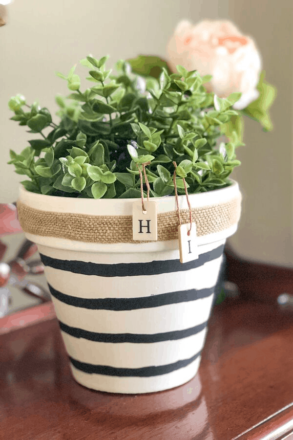 Terra cotta pot makeover - cheap diy projects
